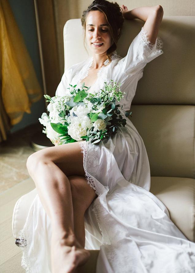 невеста в красивом белом платье
