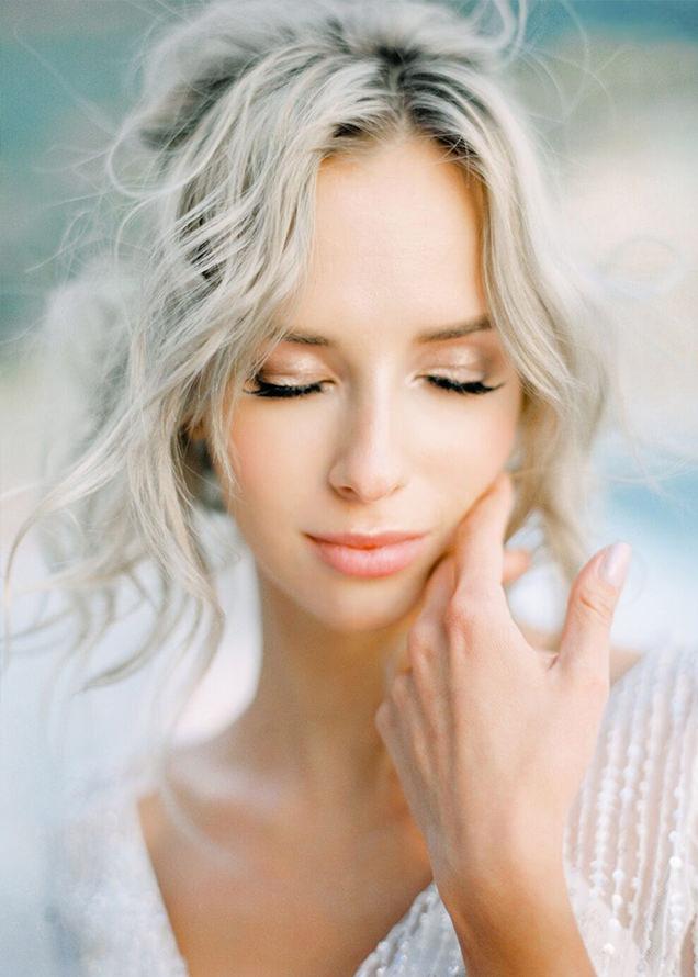 красивая невеста блондинка