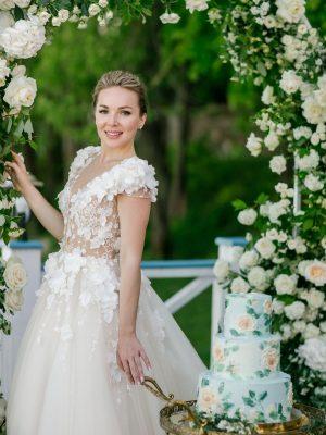 Свадебный торт и невеста москва