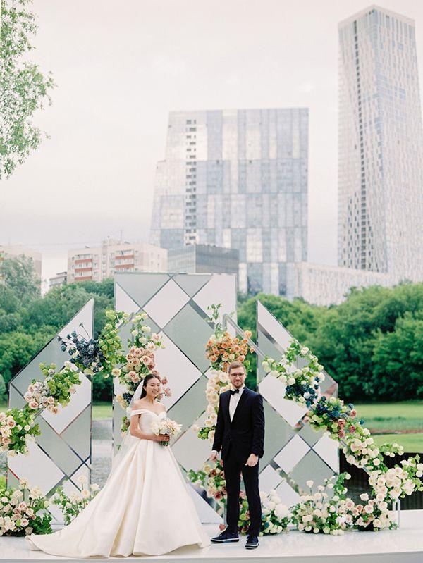 Оформление масштабной свадьбы в Москве