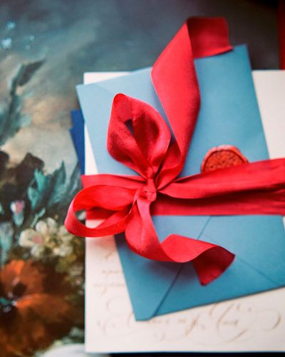 Что подарить молодоженам на свадьбу